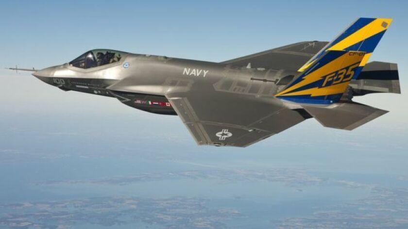 El costosísimo programa de aviones de guerra F-35 ya era polémico sin necesidad de que Donald Trump lo pusiera en su punto de mira.