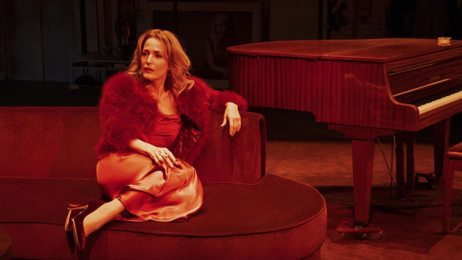 Gillian Anderson on wiping off the makeup and getting real in 'All ...