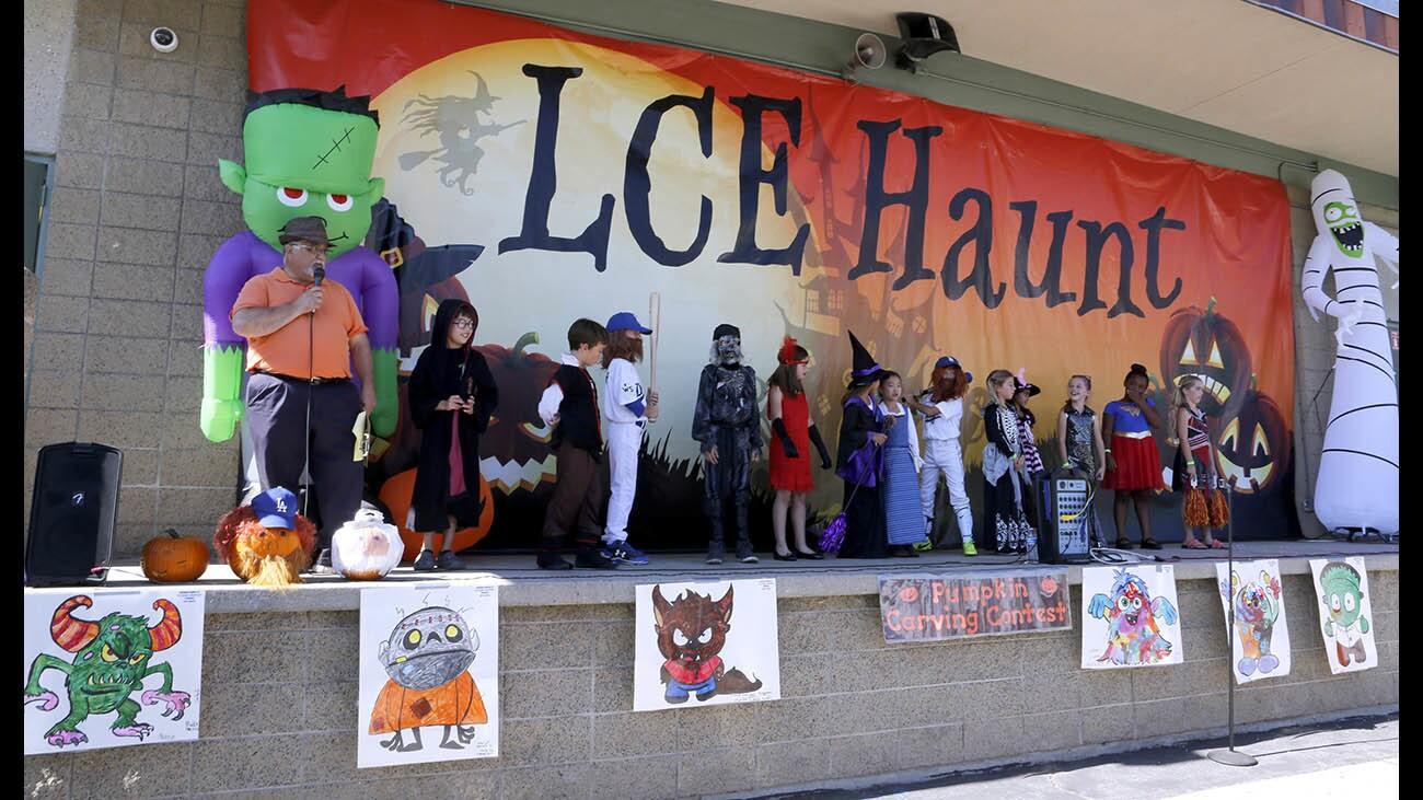 Photo Gallery: La Cañada Elementary School Halloween Haunt