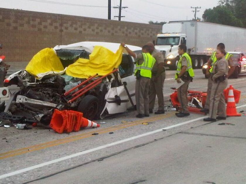 One killed, two injured in 10 Freeway crash in El Monte - Los
