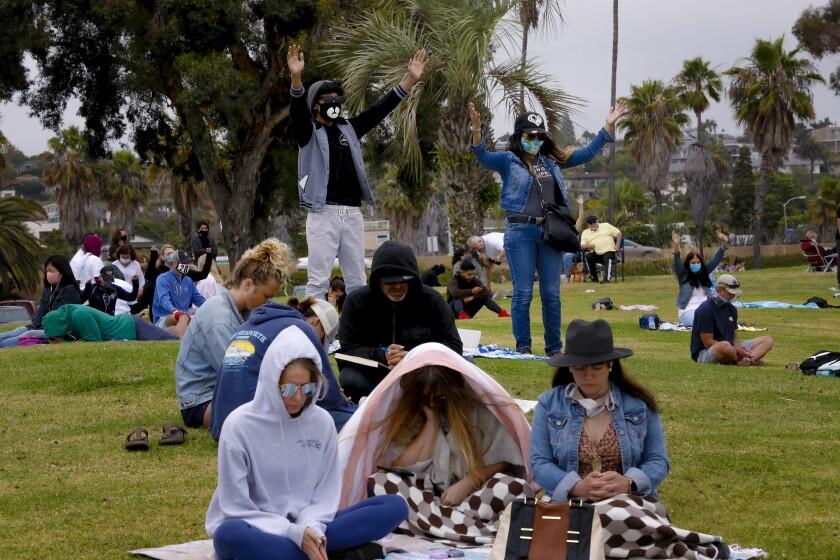 We Pray San Diego en Playa Pacifica Park en Mission Bay