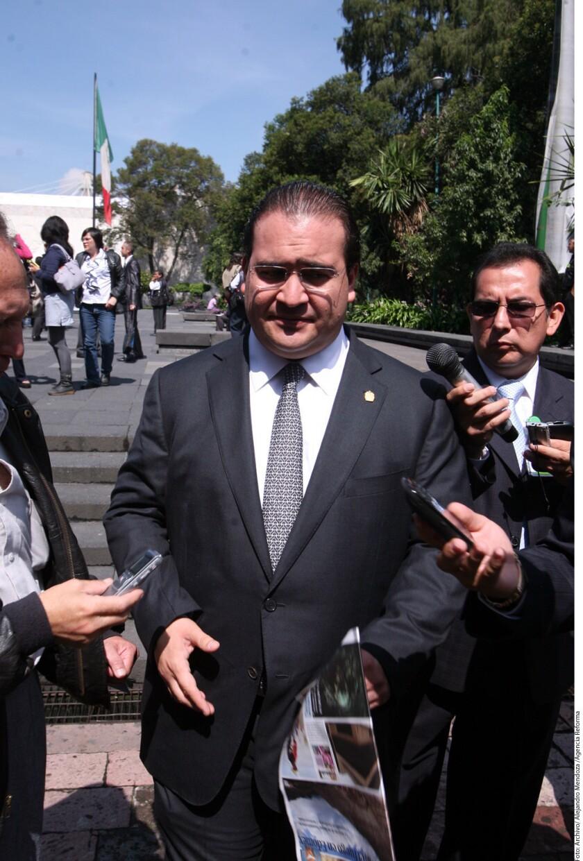 """""""El señor Javier Duarte Ochoa se encuentra fuera del país atendiendo diversas cuestiones, es cierto"""", dice el escrito del abogado Juan Carlos Cajigas Lozano, """"razón por la cual mi representado no puede comparecer de manera personal""""."""