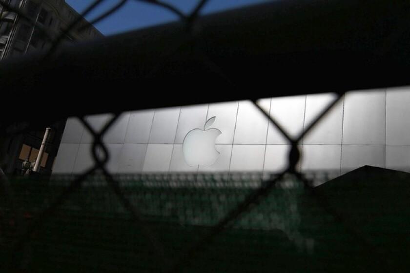 Judge rules against Apple in e-book case