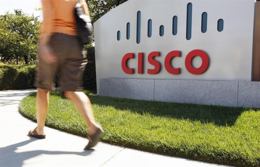 Detalle del anuncio de la compañía Cisco en su sede principal ubicada en San José, California. EFE/Archivo