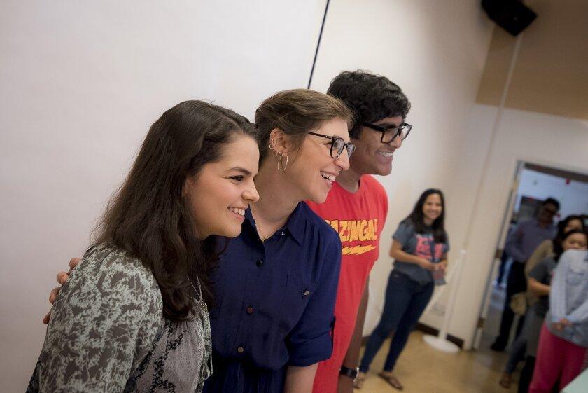 Mayim Bialik (center) poses with UC San Diego students. Erik Jepsen/UCSD