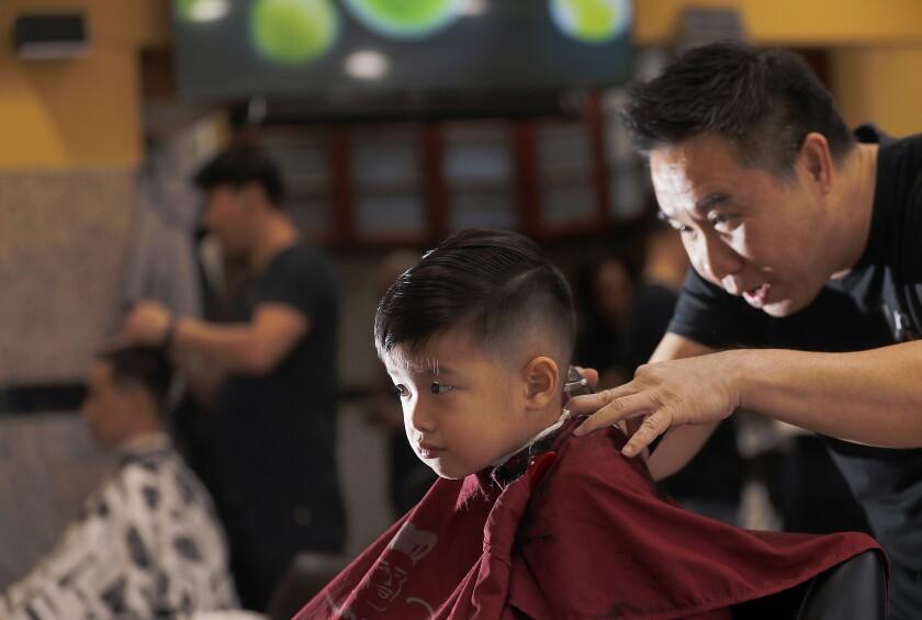 469785_la-me-barber_shops008_LS.jpg