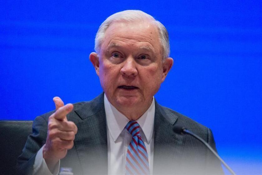 El fiscal general de Estados Unidos, Jeff Sessions, inaugura la Cumbre de Opioides hoy, jueves 8 de febrero de 2018, en el Comando Sur de Estados Unidos (Southcom) en Miami, Florida (EE.UU.). EFE