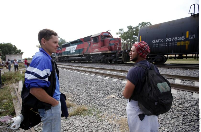 Los migrantes han optado por tomar una ruta más larga en su travesía a Estados Unidos; pasa por el centro del país y aparentemente es la más segura.