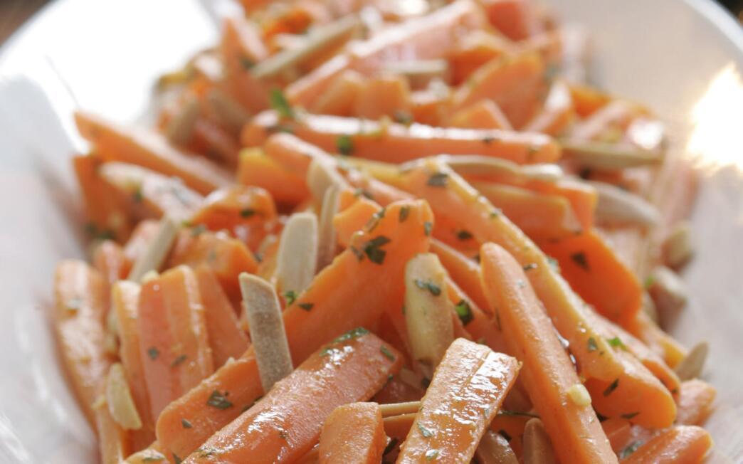 Carrots with smoky pimenton-orange glaze