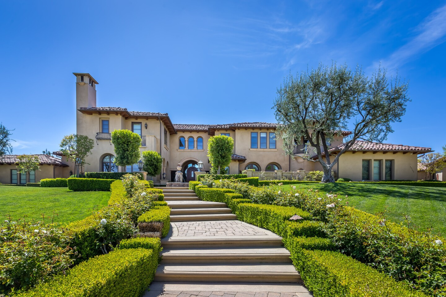 Chris Paul's mansion in Calabasas | Hot Property