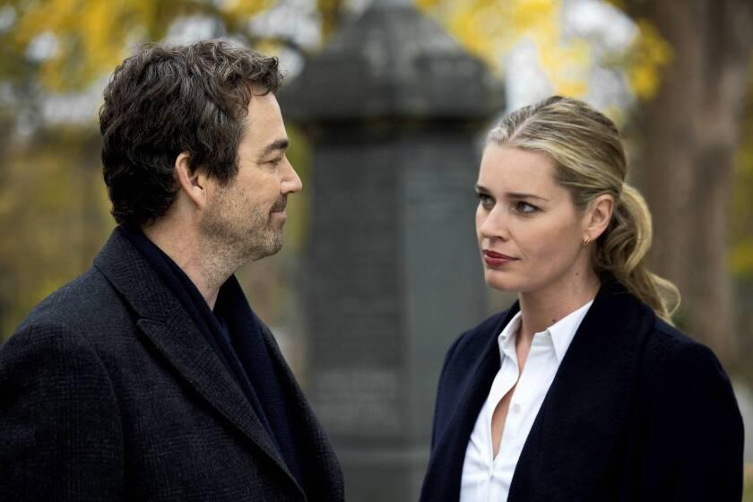 """Jon Tenney and Rebecca Romijn in """"King & Maxwell"""""""