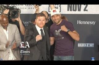 """Saúl """"Canelo"""" Álvarez y Sergey Kovalev se vieron las caras en conferencia de prensa en Los Ángeles"""