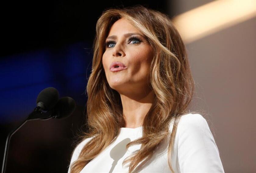 """Melania Trump, esposa del candidato republicano a la Casa Blanca Donald Trump, borró su página web oficial porque """"no refleja con exactitud"""" sus intereses profesionales y empresariales """"actuales"""", según explicó hoy la exmodelo."""