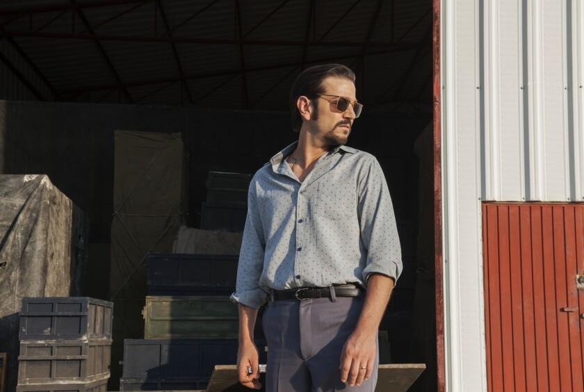 """Diego Luna interpreta a Félix Gallardo en una escena de """"Narcos: México"""", que se estrena el 16 de noviembre."""
