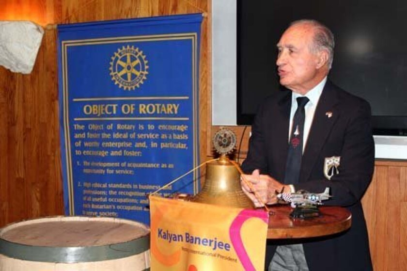 Retired Air Force Col. Steve A. Pisanos talks to Torrey Pines Rotary members. Photo: Dave Schwab