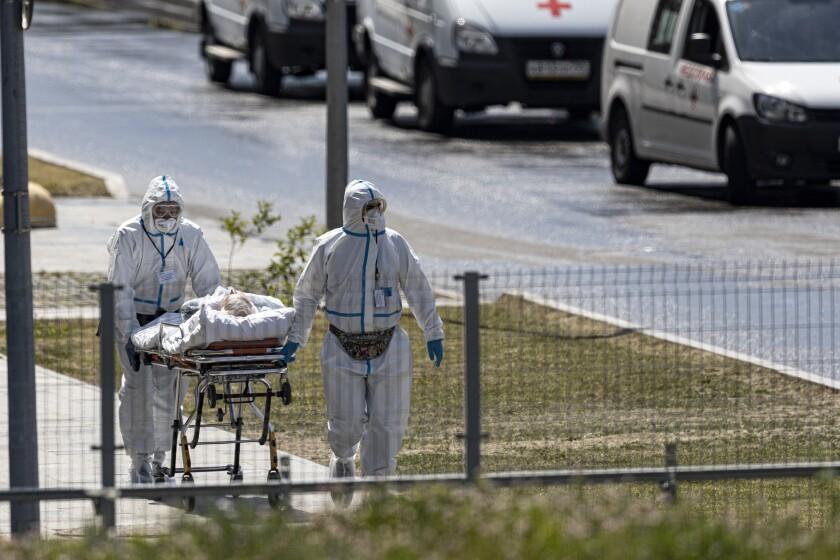 Rusia tiene mayor cifra de muertes en un día de COVID-19 en 2021