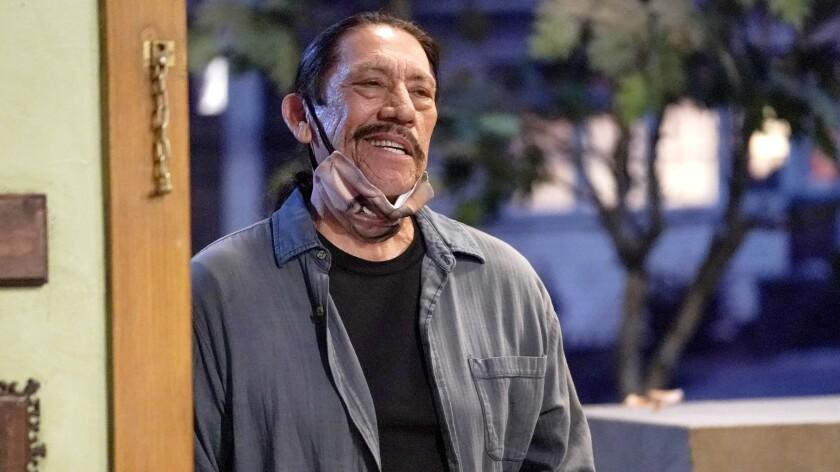 """Danny Trejo en una escena de """"The Conners"""" de la cadena ABC."""