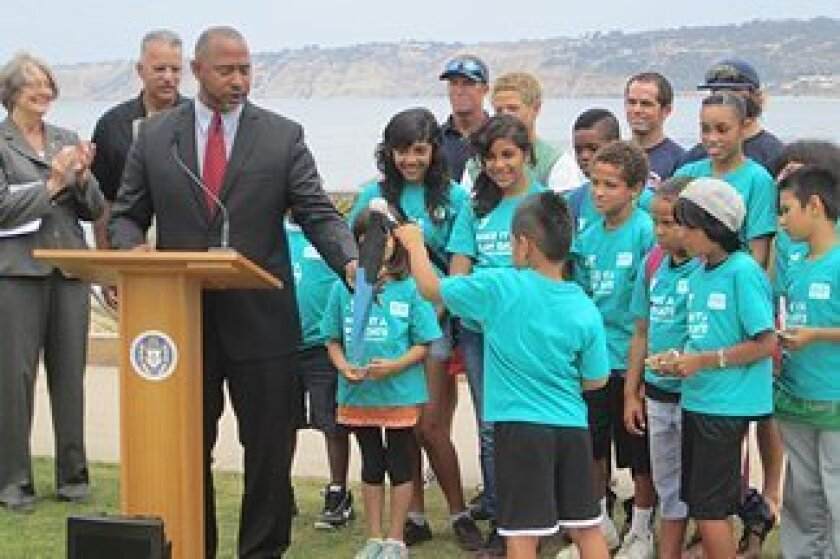 Councilmembers Sherri Lightner (far left) and Tony Young during the kick-off to last year's 'Fill the Fin' campaign.