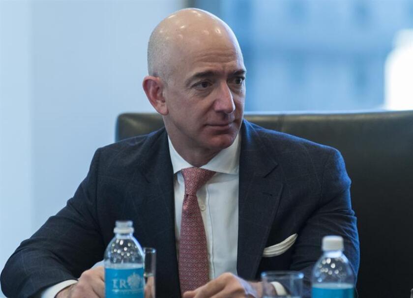 El consejero delegado de la compañía Amazon, Jeff Bezos, durante una reunión. EFE/Archivo