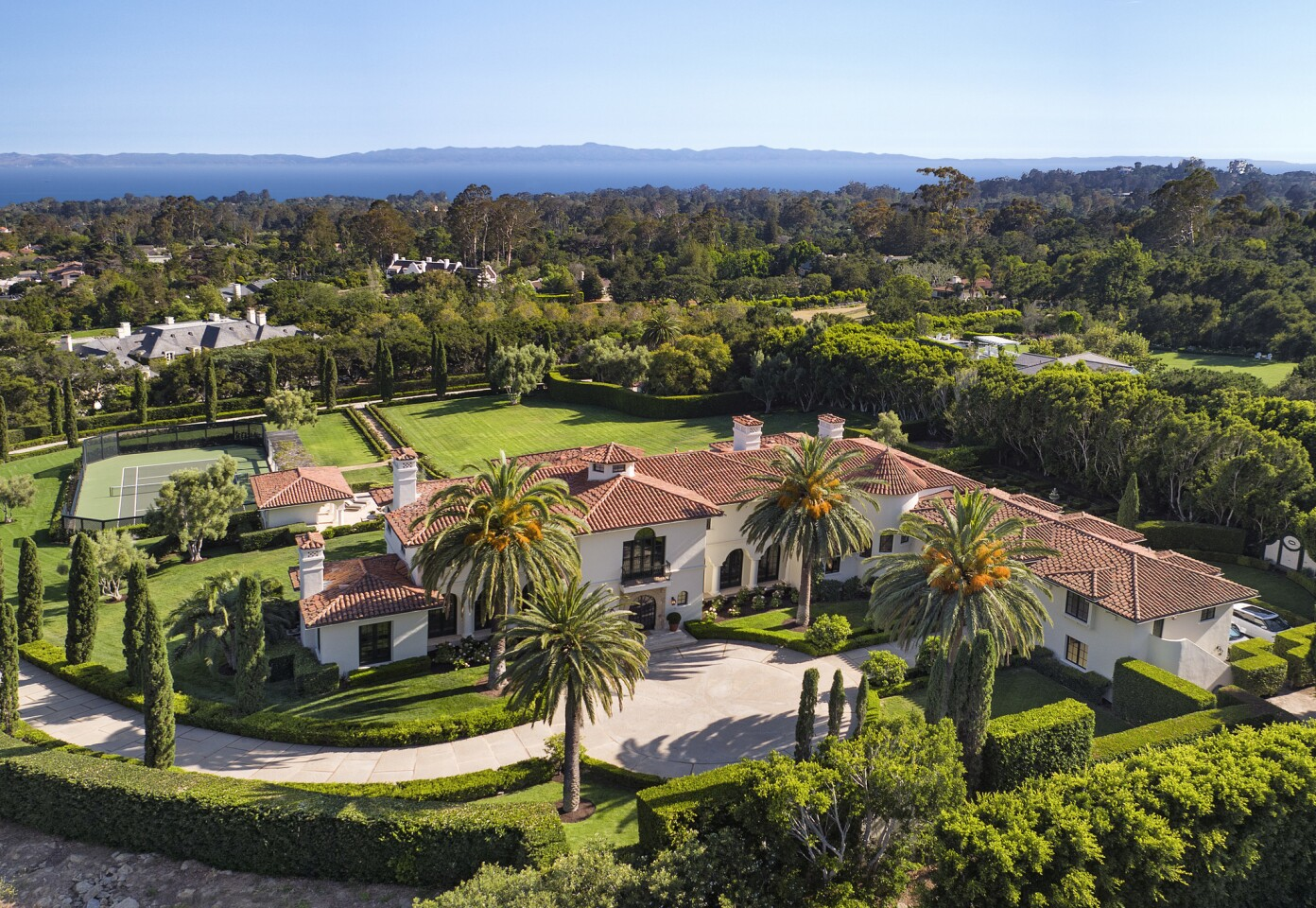 Home of the Day: Life on a grand scale in Montecito