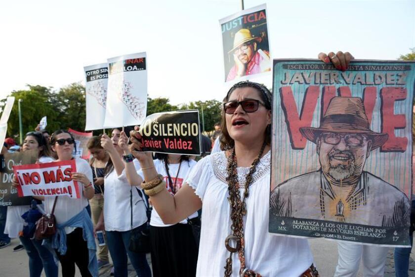 Autoridades federales capturaron hoy al presunto homicida del periodista mexicano Javier Valdez, asesinado el 15 de mayo de 2017 en el estado de Sinaloa, informó el secretario de Gobernación de México, Alfonso Navarrete. EFE/ARCHIVO