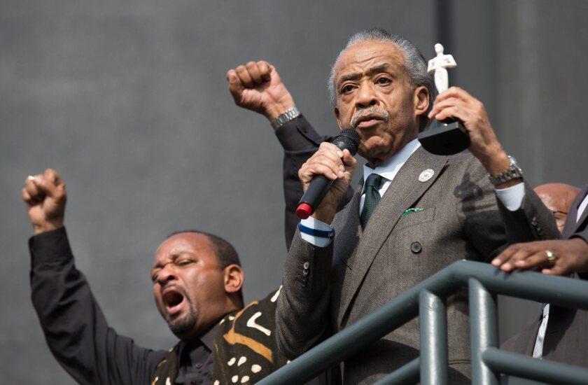 Al Sharpton se hizo presente para encabezar la protesta.