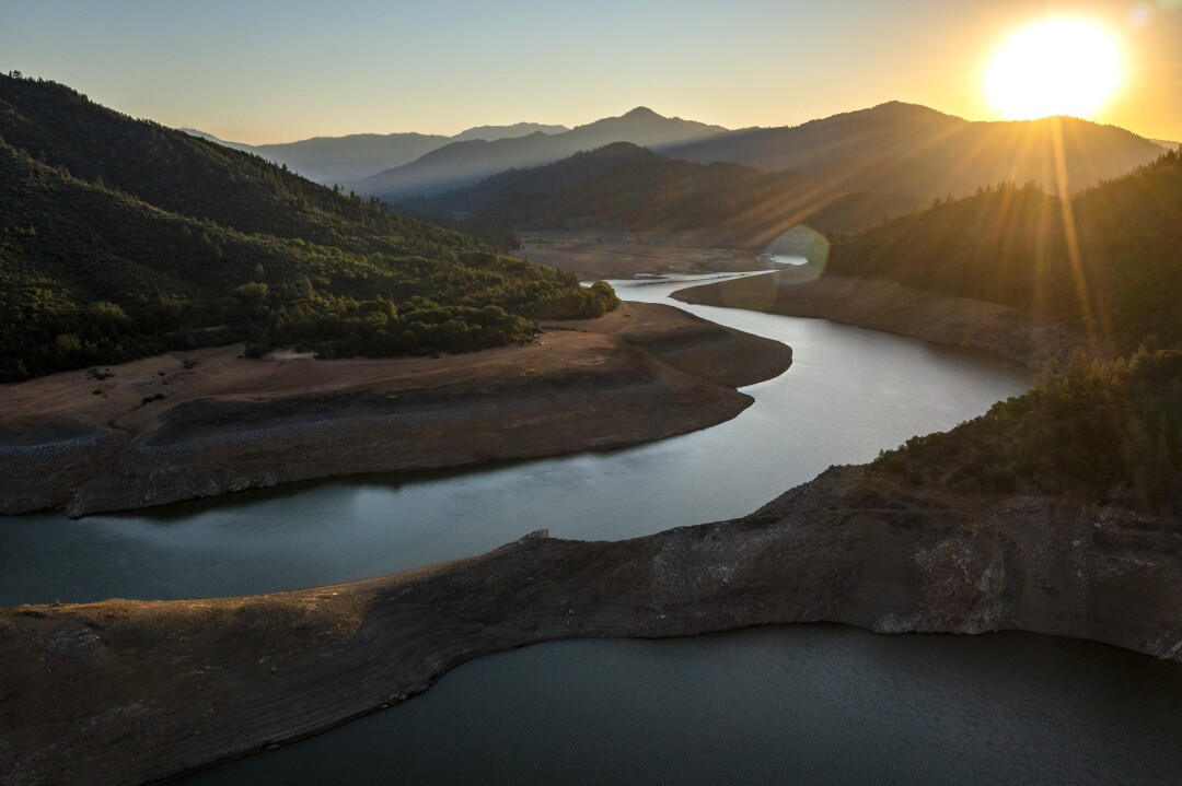 """""""Bathtub ring"""" is stark evidence of the falling water level at Lake Shasta."""