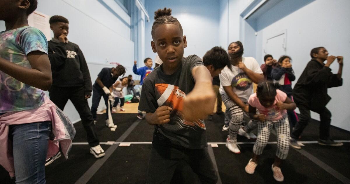 Νέο πρόγραμμα πυγμαχίας σε Watt και προσπαθεί να δείξει τα παιδιά σε κίνδυνο μια διαφορετική διαδρομή