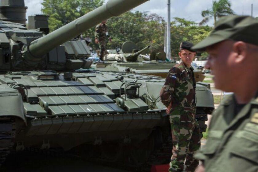 Uno de los tanques T-72B1 está en exhibición en Managua desde el lune