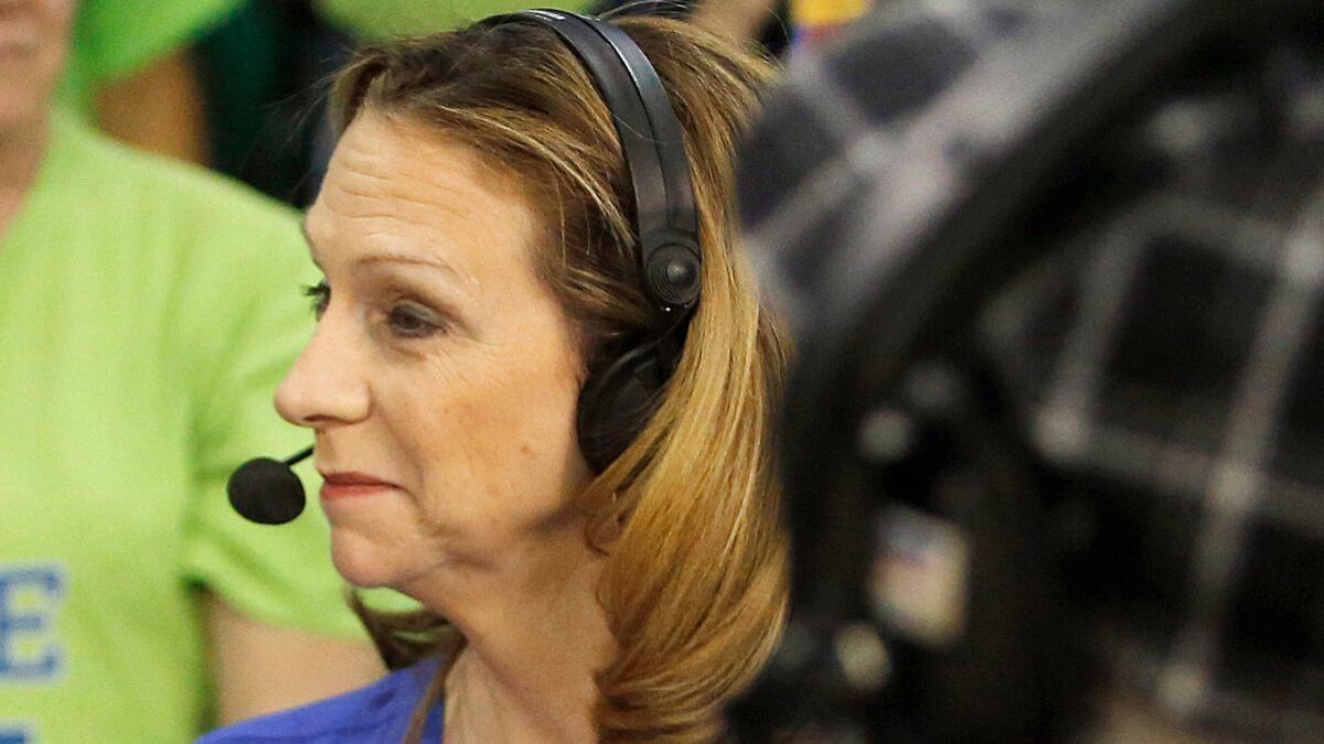ESPN's Beth Mowins to make history as play-by-play announcer for an NFL  game this fall - Los Angeles Times