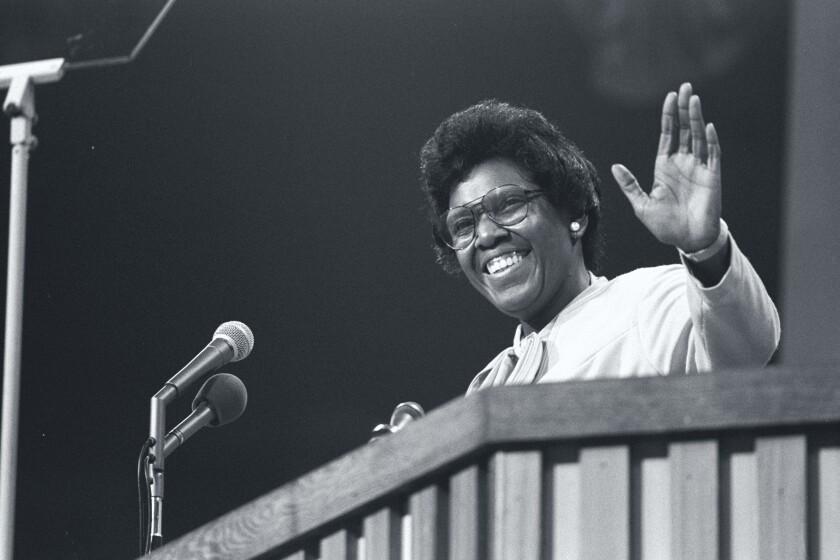 Rep. Barbara Jordan antes de su discurso de apertura en la Convención Nacional Demócrata de 1976