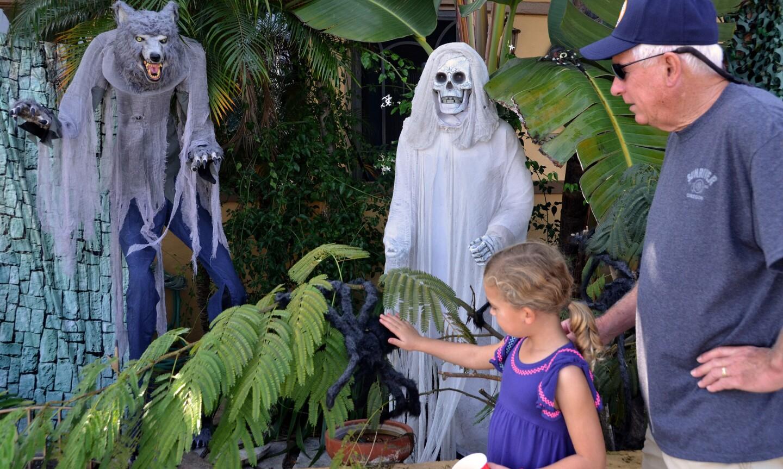 Photo Gallery: Halloween on Balboa Island