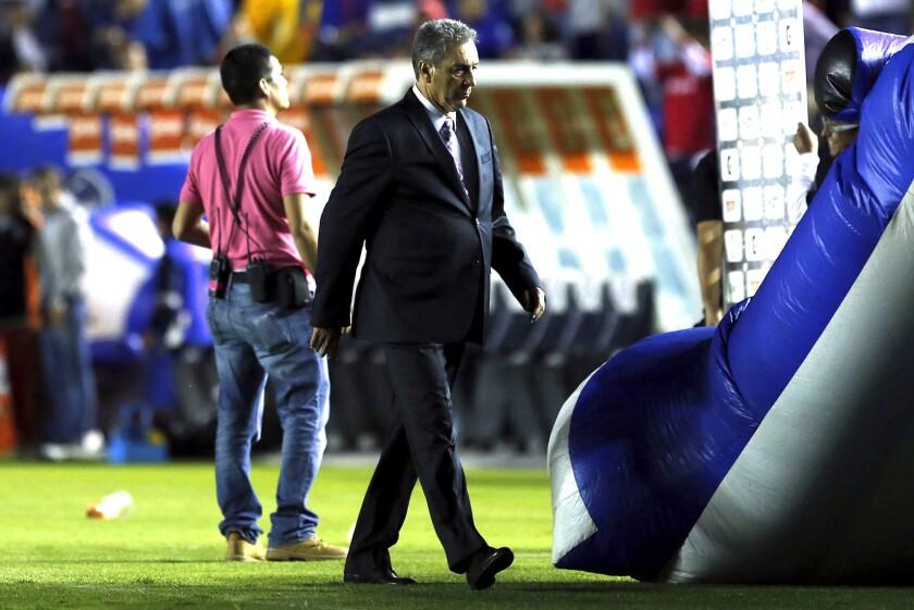 Tomás Boy, entrenador del Cruz Azul.