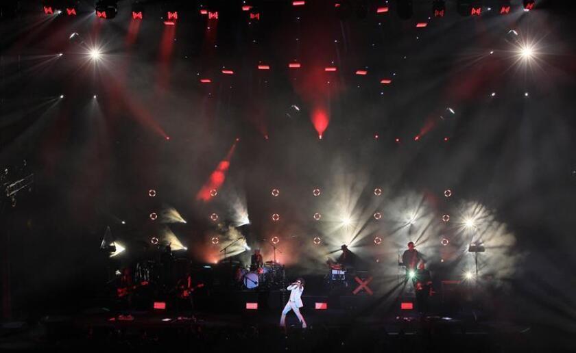 """El músico y cantante español Enrique Bunbury ofrece un concierto como parte de su gira """"Ex Tour 2018"""" hoy, lunes 15 de octubre de 2018, en el Auditorio Nacional de Ciudad de México (México). Bunbury ofrecerá tres conciertos en Ciudad de México, los días 15, 16 y 22 de octubre. EFE"""