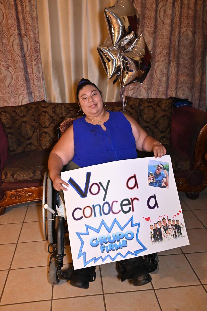 Paulina Rodríguez fulfills her dream of meeting Grupo Firme.