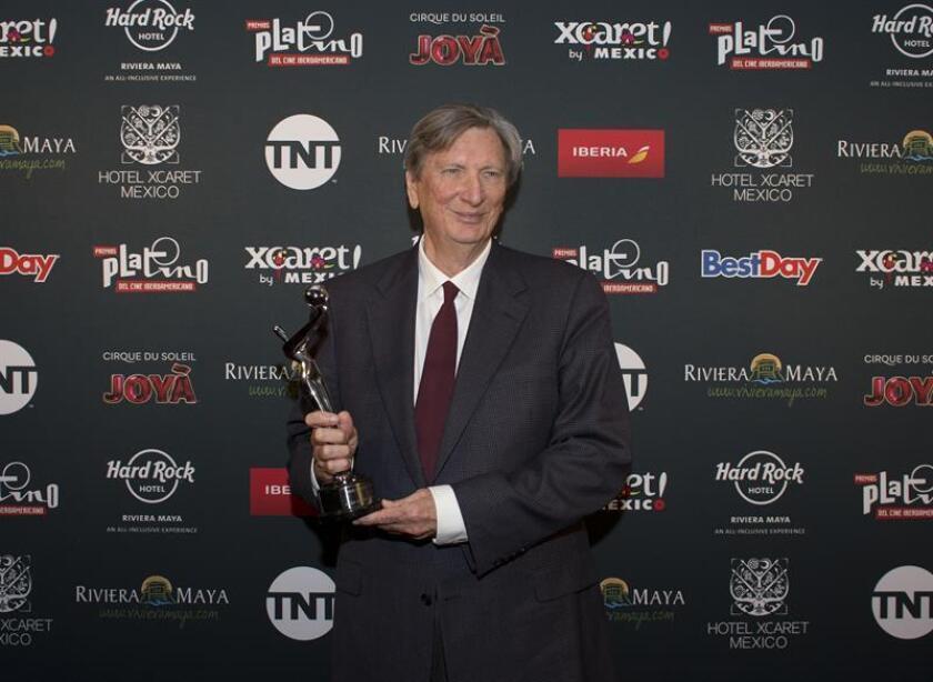 En la imagen, el presidente de la Academia de Hollywood, John Bailey. EFE/Archivo