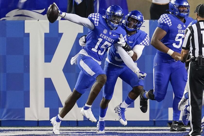 Kentucky Intercepts 6 Passes To Beat Mississippi State 24 2 The San Diego Union Tribune