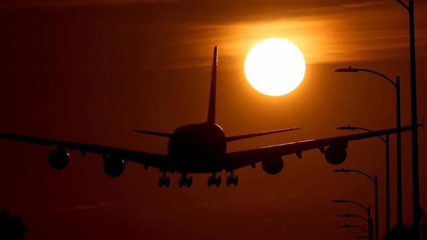 Los cargos por cambios en los pasajes aéreos pueden hacer un hoyo en tu presupuesto de viaje, pero posiblemente puedas evitarlos.
