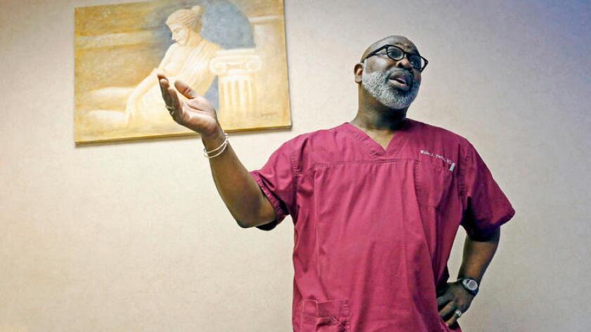 El Dr. Willie Parker se trasladó recientemente de Illinois a Alabama para realizar abortos allí, en Georgia y Mississippi.