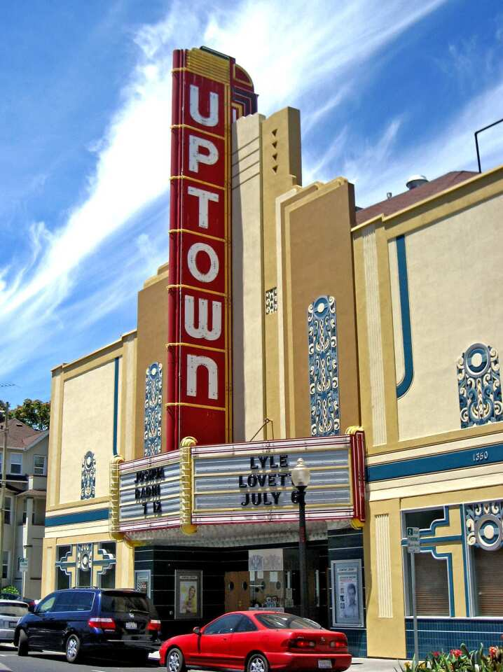 The Uptown Theatre, a restored, intimate Art Deco venue, hosts name acts such as Texas singer-songwriter Lyle Lovett. Be sure to check the schedule when planning a Napa trip.