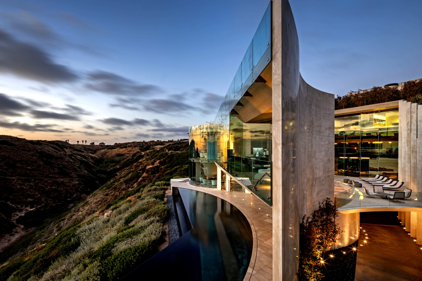 Hot Property: Alicia Keys gets into the La Jolla state of mind