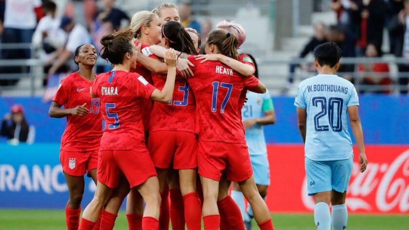 TOPSHOT-FBL-WC-2019-WOMEN-MATCH11-USA-THA