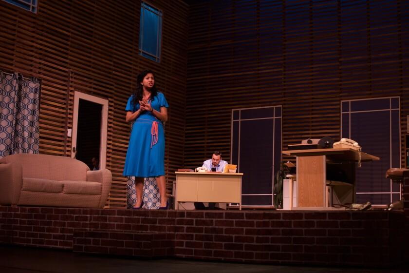 """Una escena del montaje teatral """"Latina"""", que se estrena este viernes en Cal State LA y que, pese a tomar lugar en 1980, habla de una situación que no se ha superado."""