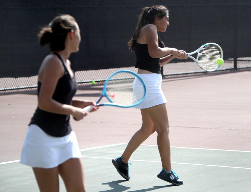 tn-gnp-sp-glendale-burroughs-girls-tennis-20190910-5