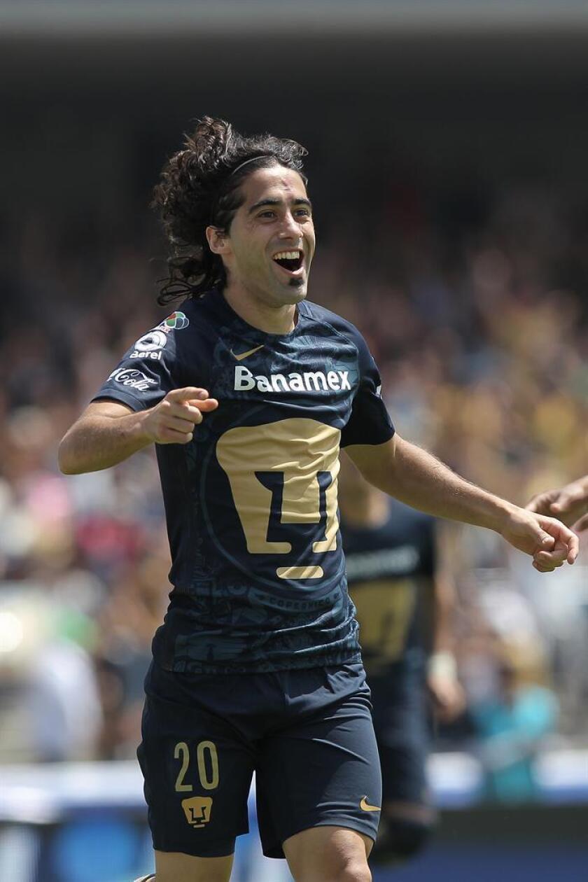 El delantero uruguayo Matías Britos fue presentado hoy como nuevo jugador de los Gallos Blancos de Querétaro mexicano y en sus primeras declaraciones a los medios prometió más sacrificio que goles y asistencias. EFE/Archivo