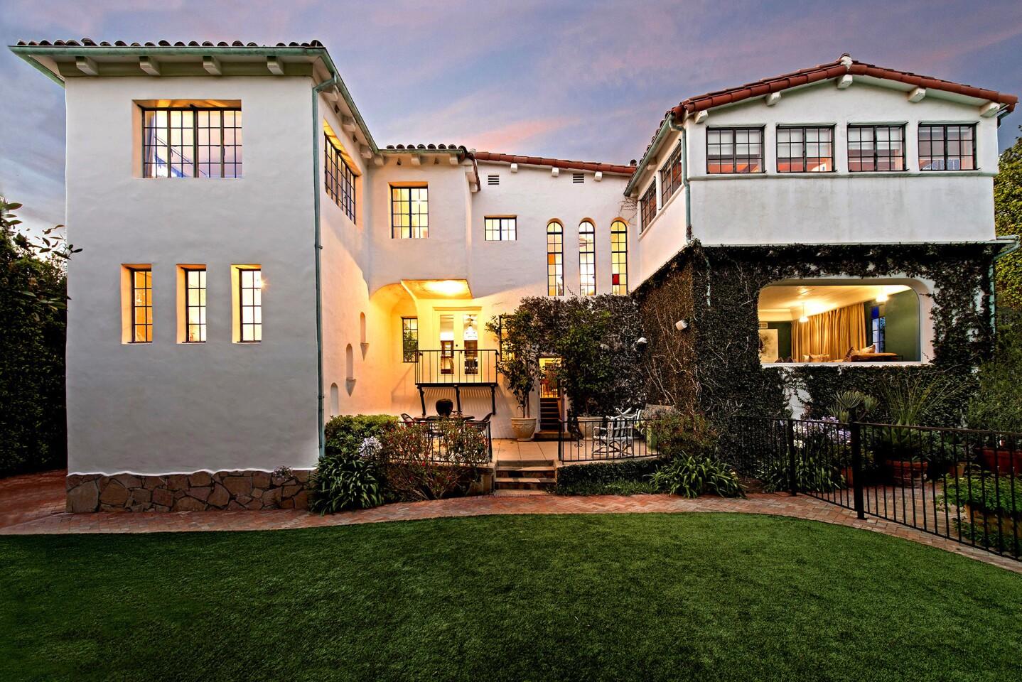 Hot Property | Dennis Quaid