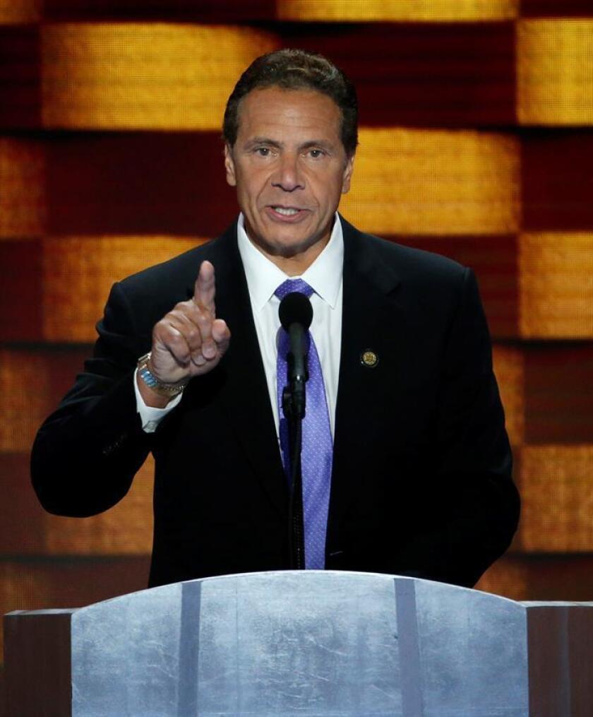 El gobernador de Nueva York, Andrew Cuomo, anunció hoy que fue aprobada una ley estatal que prohíbe a las personas condenadas por violencia doméstica la posesión de armas de fuego. EFE/ARCHIVO