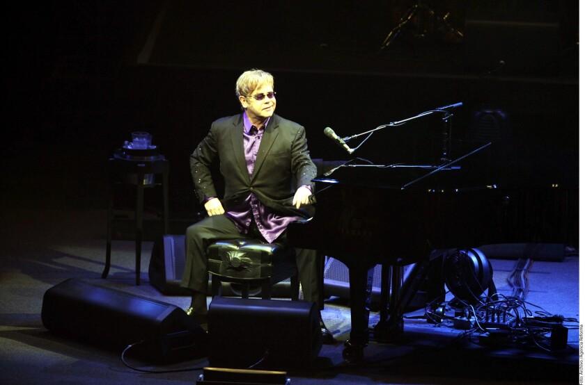 """El intérprete de temas como """"Candle In The Wind"""", """"Daniel"""" y """"Something About The Way You Look Tonight"""" salió a desmentir las versiones acerca de su posible adiós de la música."""