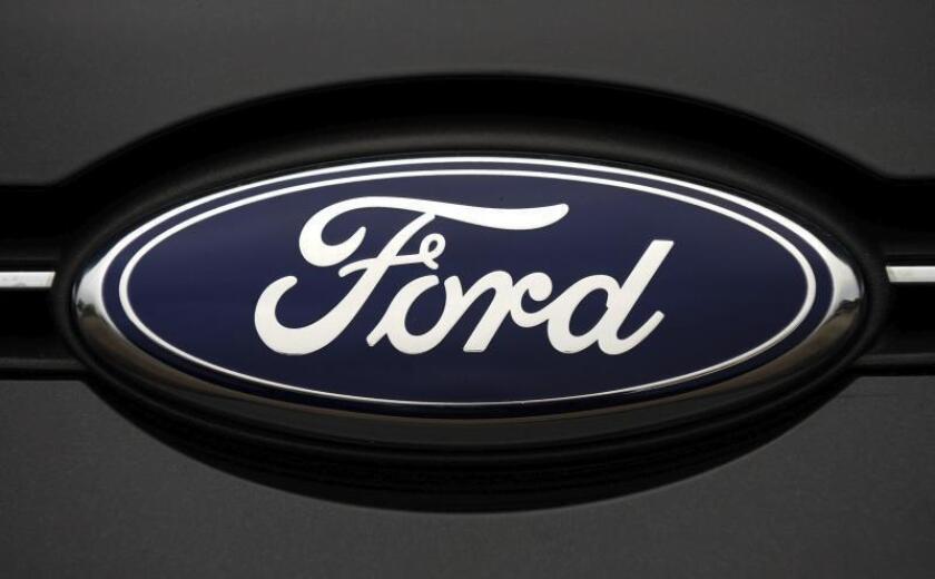 Vista de un logotipo de Ford. EFE/Andy Rain/Archivo