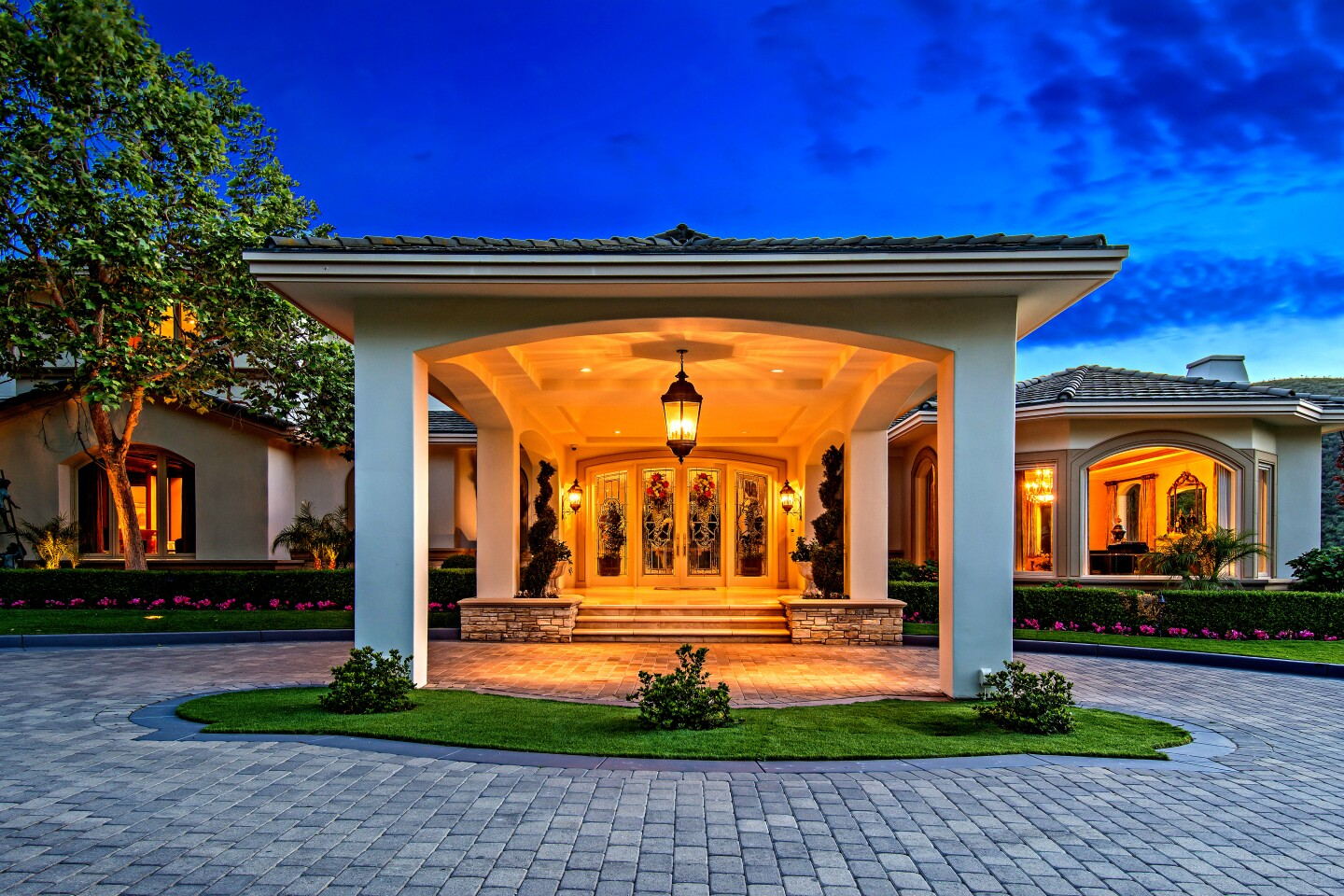 Ideal for an athlete, the Mediterranean-style mansions boasts an indoor basketball court complete with a scoreboard, skylights and a viewing box.